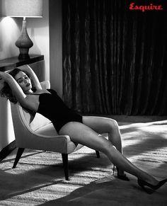Emilia Clarke, atriz de Game of Thrones, é eleita a mulher mais sexy de 2015. Leia no Blog!