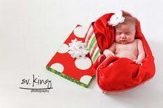 Baby's First Christmas posing-ideas