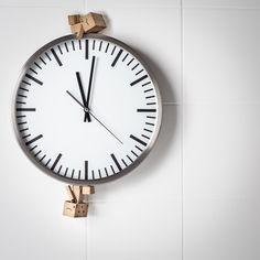 Apprend à calculer le coût de revient de tes créations, mais surtout à calculer ton tarif horaire, pour ne plus jamais perdre d'argent !