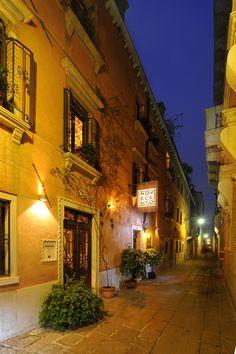 Entrance to Novecento - so romantic