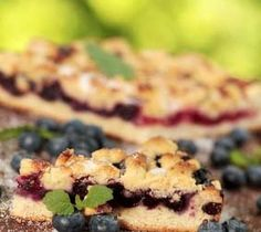 Gluten Free Blueberry Coffee Cake - http://glutenfreerecipebox.com/gluten-free-blueberry-coffee-cake/ #glutenfree #easter