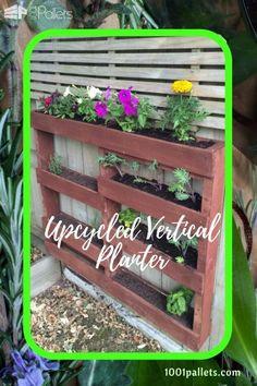 Staggered Vertical Pallet Planter