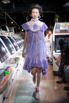 Jenny Fax Tokyo Spring 2020 Fashion Show Tokyo Fashion, India Fashion, Fashion Art, High Fashion, Fashion Show, Fashion Design, Street Fashion, Weird Fashion, Colorful Fashion