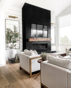 Living Room Interior, Home Living Room, Home Interior Design, Living Room Designs, Living Room Decor, Living Spaces, Home Fireplace, Fireplace Built Ins, Black Fireplace