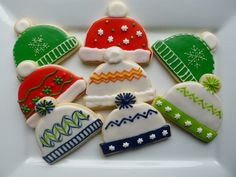 """about the cutest cookies I have seen in a long time. simple yet original. (these would be great paired up with the """"ugly sweater"""" cookies! Fancy Cookies, Iced Cookies, Cute Cookies, Royal Icing Cookies, Cookies Et Biscuits, Cupcake Cookies, Christmas Sugar Cookies, Christmas Sweets, Noel Christmas"""