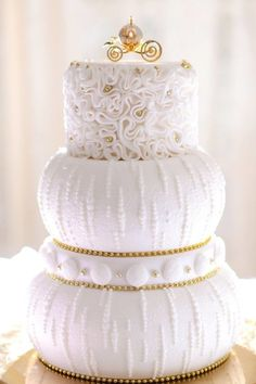 Wedding Cakes 15 Perfect Cinderella Wedding Cakes - Take a peek at these gorgeous cakes, perfect for a Cinderella themed Disney wedding! Beautiful Wedding Cakes, Gorgeous Cakes, Pretty Cakes, Amazing Cakes, Unusual Wedding Cakes, Disney Inspired Wedding, Wedding Disney, Disney Weddings, Cinderella Wedding Cakes