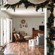 christmas home / by Sara Charlesworth Noel Christmas, Merry Little Christmas, All Things Christmas, Modern Christmas, Simple Christmas, Home Design, Interior Design, Design Ideas, Seasonal Decor