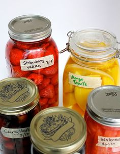 My Fresh Fruit Recipe: Fruit Infused Vodka? Or Vodka Infused fruit? Strawberry Vodka, Pots, Diy Father's Day Gifts, Christmas Gifts, Alcohol Recipes, Drink Recipes, Fireball Recipes, Jar Recipes, Sangria Recipes