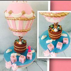 Peter Rabbit is going for a Hot Air Balloon ride  #peterrabbitcake #peterrabbit #hotairballoon #cake #cakes #3Dcakes #sugarart #sugarcraft #fondantcakes #fondant #cupcakes #cookies #bizcochos #tortasdecoradas #chocolate #desserts #birthday #birthdaycake #birthdaycakes #sculptedcakes #cakecarving #pinkcake #theweeknd