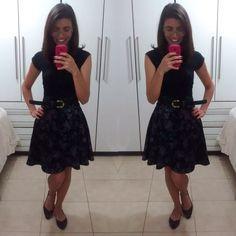 Fiquei muito feliz porque vocês gostaram do post que fiz sobre a saia midi! 😍 Hj vou mostrar ouro look meu: camisetinha básica com outra das saias feitas por mim (aos poucos mostro todas para…