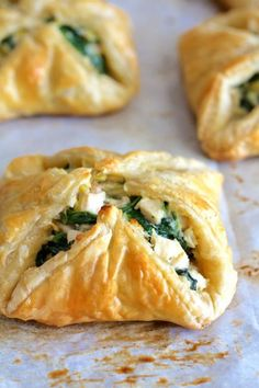 15 Savory Pastry Recipes You Can *Totally* Eat for Dinner 15 Savory Pastry Recipes You Can *Totally* Eat for Dinner,Main Fare! 15 Savory Pastry Recipes You Can *Totally* Eat for Dinner Savoury Pastry Recipe, Savoury Baking, Savoury Puff Pastry Recipes, Recipes Using Puff Pastry, Spinach Puff Pastry, Puff Pastry Desserts, Gourmet Desserts, Plated Desserts, Bebidas Com Rum