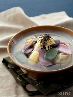 Tteok Manduguk (Korean rice cake soup)