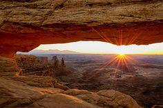 Mesa Arch Sunrise - Canyonlands National Park - Moab Utah Art Print