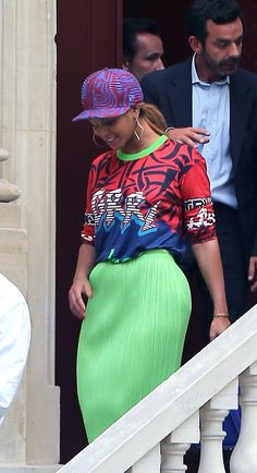 Beyoncé, Jay z & Blue Ivy leaving Luxuous Real Estates in Paris (Oct. 2nd, 2014)