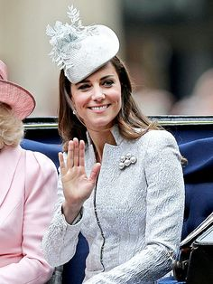 It's Official: Princess Kate Will Step Out on Saturday for First Time Since Charlotte's Birth http://www.people.com/people/package/article/0,,20395222_20930331,00.html