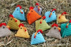 Easter Crochet, Crochet Baby, 12 Days Of Christmas, Crochet Animals, Mandala, Paper Crafts, Christmas Ornaments, Knitting, Holiday Decor