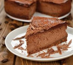 This homemade chocolate cheesecake recipe produces a rich and decadent cheesecake. Offering the best cheesecake recipes from scratch like Homemade Chocolate Cheesecake Recipe, Cheesecake Recipe From Scratch, Chocolate Recipes, Cheesecake Leger, Best Cheesecake, Easy Cheesecake Recipes, Turtle Cheesecake, Chocolate Banana Ice Cream, Melting Chocolate Chips