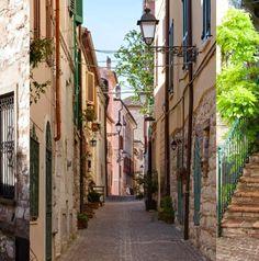 Vicolo Sirolo - het Saint Tropez van Le Marche...