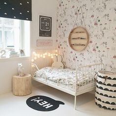 This shared girls' bedroom is sophisticated yet playful, practical yet whimsical. With a mix of old and new pieces, they've created a very personal space, where art prints are one of the room's focal points. My New Room, My Room, Girls Bedroom, Bedroom Decor, Childrens Bedroom, Design Bedroom, Bedroom Wall, Bedroom Ideas, Casa Kids