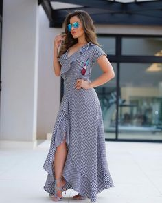s daughter hands out doughnuts to secret service agents Modest Dresses, Plus Size Dresses, Casual Dresses, Summer Dresses, Modest Fashion, Fashion Dresses, Western Wear For Women, Bohemian Mode, Casual Work Outfits