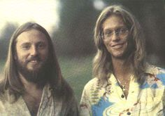 70s Artists, Ventura Highway, America Band, 70s Music, Pop Bands, Pretty People, Album Photos, 1970s, Drawing