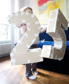 DIY Make your own life-size cardboard letters/numbers. Love this! Great for weddings, anniversaries, birthdays,