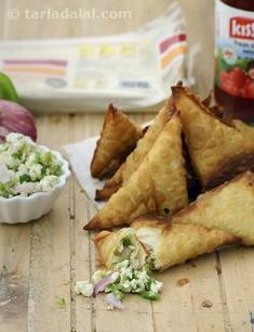When temptation strikes, nothing can stop you from having this Jhatpat Samosa! Made with readymade samosa pattis, this recipe requires minimal preparation. The stuffing too is made with grated paneer and crunchy veggies like capsicum and onions, which can be readily mixed and do not require to be boiled and peeled like potatoes. In short, all care has been taken to ensure that this recipe can be prepared and enjoyed any time you want, with least effort and time.