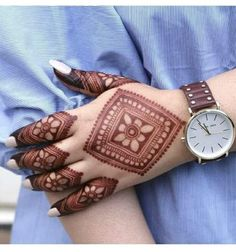 51 Fascinating Karwa Chauth Mehndi Designs For Newlywed Brides Henna Hand Designs, Mehndi Designs Finger, Modern Henna Designs, Mehndi Designs Book, Mehndi Designs For Girls, Mehndi Designs For Beginners, Mehndi Design Photos, Mehndi Designs For Fingers, Wedding Mehndi Designs