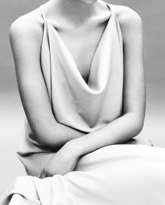 Chic Minimalist Style - draped dress; minimal fashion // Diana Orving