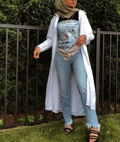 Summer's It Top Is Probably Buried in Your Drawer Somewhere | Who What Wear Printed Pants Outfits, Scarf Top, Dress Out, Bandeau Top, Summer Trends, Square Scarf, Who What Wear, Scarf Styles, Going Out