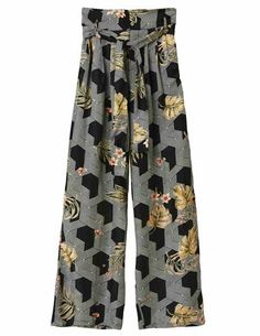 The Pyrus Rosin Printed Trousers in Futura are a dream to wear. High waisted with concealed zip fly, self-belt and wide-leg silhouette. These pants Dress Outfits, Fashion Dresses, Blouses Uk, Pyrus, London College Of Fashion, Printed Trousers, Blouse Dress, Friends In Love, Patterned Shorts