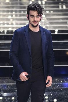 Italian singer, Ignazio Boschetto is approx 5 ft 9.75 in or 177 cm tall...
