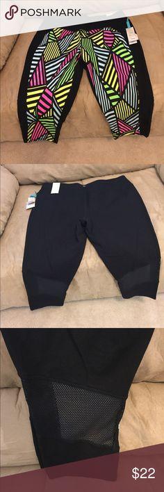 🆕 livi active Capri leggings.  Lane Bryant. Super cute colorful Capri leggings.  Back of calf area have mesh opening.  92% cotton and 8% spandex.  Smoke free home. Pants Leggings