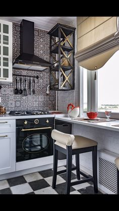 28 Fantastic Farmhouse Kitchen Backsplash Design Ideas * aux-pays-des-fleu… 28 Fantastic Farmhouse Kitchen Backsplash Design Ideas * the country-of-fleu … Interior Desing, Room Interior, Interior Design Living Room, Home Decor Kitchen, Home Kitchens, Kitchen Design, Kitchen Decorations, Bright Kitchens, Kitchen Backsplash