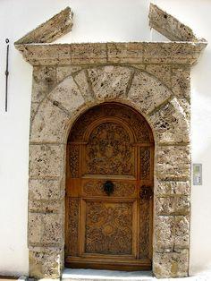 Old door, Sion, Switzerland Can Heidi come out and play? Grand Entrance, Entrance Doors, Doorway, Knobs And Knockers, Door Knobs, Door Handles, Cool Doors, Unique Doors, Portal