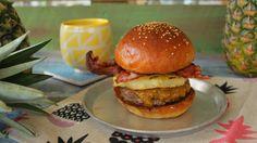 Így készül a Ponyvaregény híres hamburgere - Street Kitchen