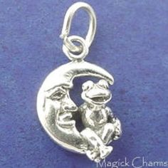 Sterling Silver 7 4.5mm Charm Bracelet With Attached 3D Sitting Frog or Toad Prince Charm