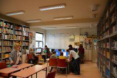 Szkoła nie może być dziś definiowana jedynie jako miejsce przekazywania wiedzy. Dlatego uzasadnione jest poszukiwanie nowego modelu edukacji