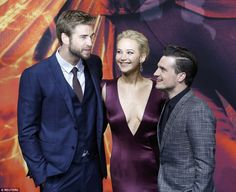 Liam Hemsworth plays a martial make Jennifer Lawrence fears Pee pants [Read] : http://www.korsamnang.com/2015/11/06/liam-hemsworth-plays-a-martial-make-jennifer-lawrence-fears-pee-pants/