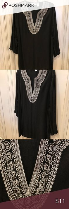 CD Daniels Tunic Top or 👙Swim👙 Cover Up ADORABLE! Super lightweight gauze style tunic top by CD Daniel, size 1X. Like new, I can't recall wearing it. It was a gift from my mom and has just been sitting in my closet! This would also make a PERFECT swim cover up!! 👙👙 From a clean and smoke free environment 🏡 Tops