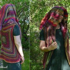 Is it a hobgoblin? 😊#crochet💜 #crochetvest #goblinvest #MianVirkkuut #madetoorder #dropsbigdelight #hood