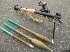 _Russia_Russian_army_defence_industry_military_technology_001.jpg RPG-7V2 with three types of ammunition. Left to right: OG-7V HE/fragmentation 40mm; PG-7L HEAT 93mm; PG-7M HEAT 70mm. The bore of the RPG-7 is 40mm.