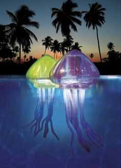 Jellyfish floating lights