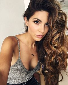 Voluminous and sexy!! @negin_mirsalehi is rocking gorgeous curls for a fun and flirty look.