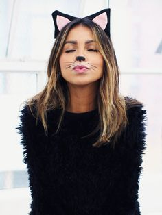9 Different Ways You Can Be a Cat This Halloween via @ByrdieBeauty