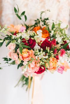 Spring floral bouquet | Wedding & Party Ideas | 100 Layer Cake