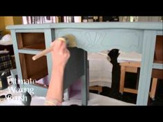 I must try this chalk paint for my furniture projects! Virginia Weathersby paints a Dressing table with Chalk Paint ™ Chalk Paint Projects, Chalk Paint Furniture, Hand Painted Furniture, Repurposed Furniture, Furniture Projects, Furniture Makeover, Diy Furniture, Distressed Furniture, Diy Makeup Palette
