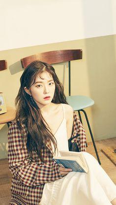Red Velvet アイリーン, Red Velvet Irene, Korean Girl, Asian Girl, Red Velvet Photoshoot, Velvet Wallpaper, Purple Wedding Bouquets, Grunge Girl, Portrait Photo