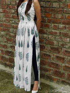Shop online White and green block printed cape Block print malmal maxi in twin block print fully lined Indian Gowns Dresses, Indian Fashion Dresses, Dress Indian Style, Indian Designer Outfits, Indian Outfits, Designer Dresses, Fashion Outfits, Cotton Dress Indian, Casual Indian Fashion