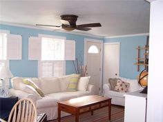 a beautifully beachy cape cod living room - Cape Cod Living Room